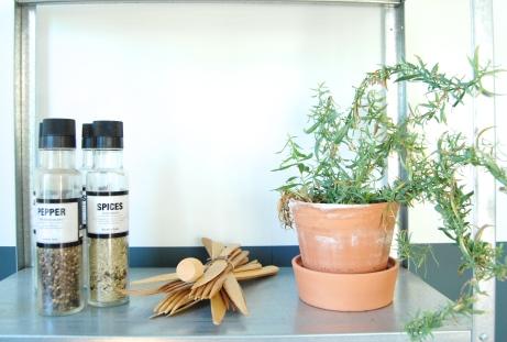 Rosmarnen lukter nesten som parfyme, et naturlig duftlys!